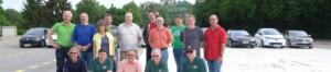 Die Teilnehmer und Trainer beim ersten gemeinsamen Fahrsicherheitstraining von Electrify BW und der Verkehrswacht Vaihingen an der Enz.
