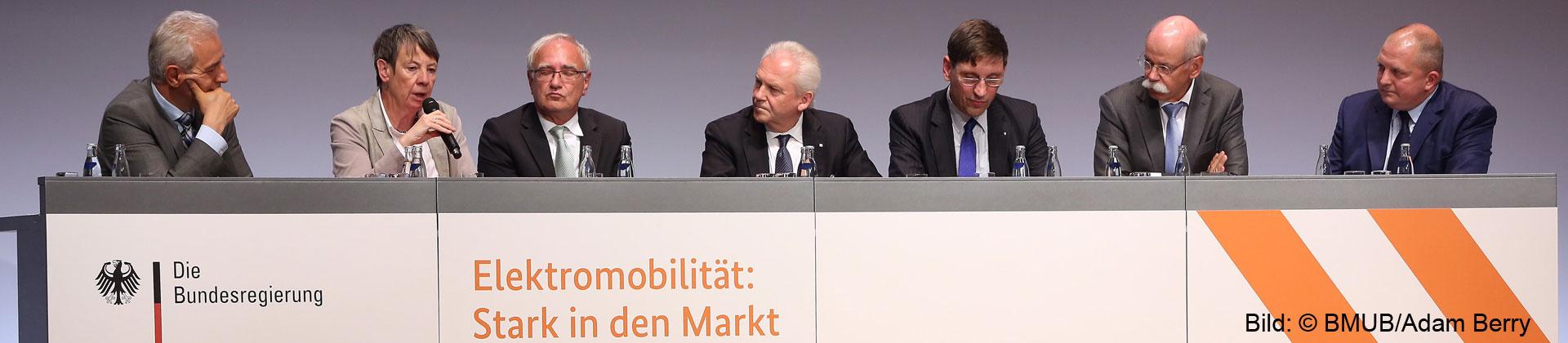 Nationale Konferenz Elektromobilität 2015 (Bild: © BMUB/Adam Berry)