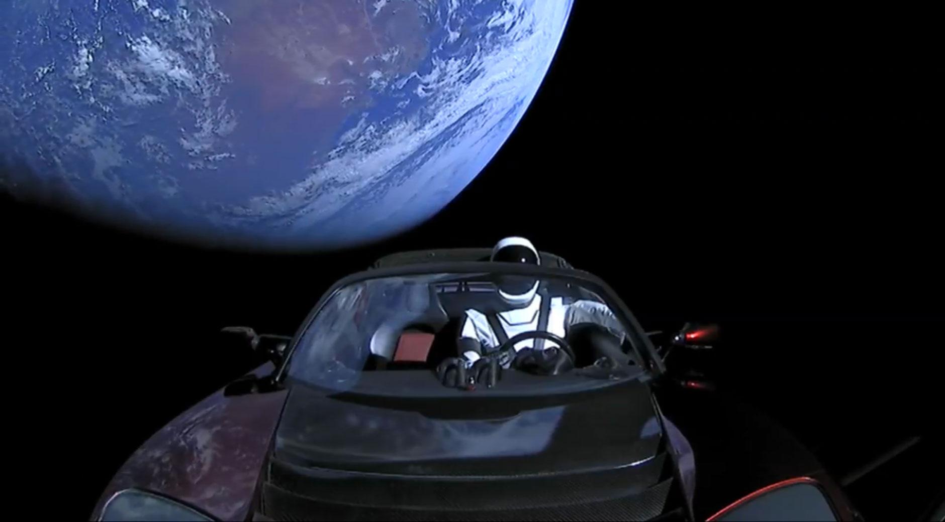 Der Tesla Roadster von Elon Musk auf dem Weg zum Mars (Bild: © SpaceX).